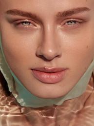 Pool beauty shoot by Zilla - Judith Reekers, Touché models