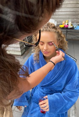 Makeup artist orange pink eyeshadow